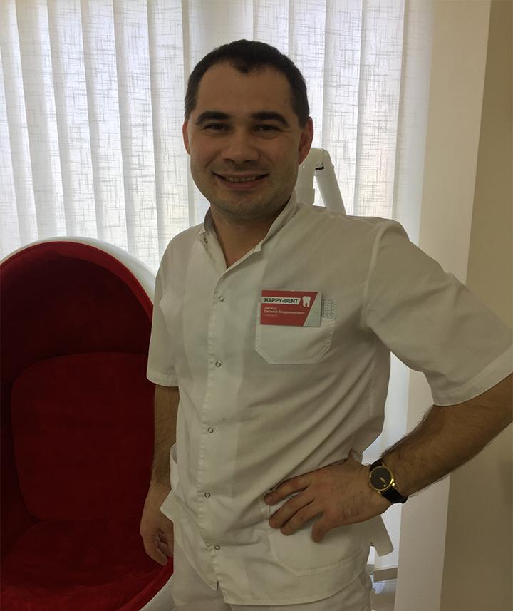 Лисица Евгений - Главный врач сети стоматологических кабинетов «Happy-dent»